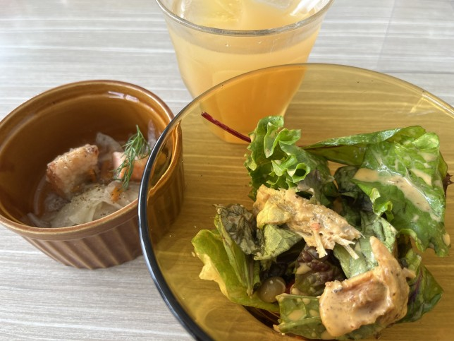 恵比寿楽園テーブル メイソンジャーサラダ フリードリンク