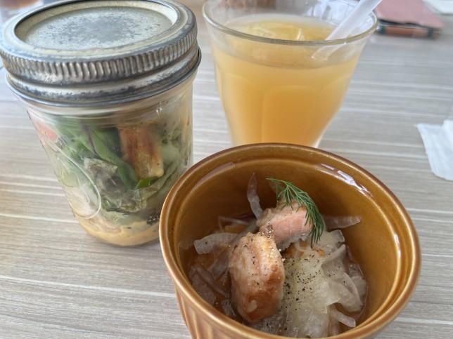 恵比寿楽園テーブル メイソンジャーサラダ