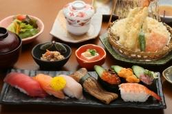 天ぷら・海鮮 築地市場