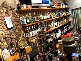 エビスから焼酎・リキュール、日本酒もいっぱいあります。 ドリンクを選ぶのも、くおーれの楽しみの一つです。生ビールを注文するとエビスがジョッキででてきます。さらに、黒エビスもあります。 エビス好きにはたまりませんよ。 今すぐ、飲みにお越し下さい。