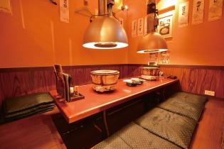掘りごたつの個室で安心!思いっきりおしゃべりと焼肉を楽しもう! 女子会やちょっとした宴会にも最適だね。