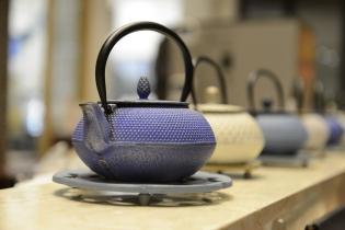 「南部鉄器」のティーポットで楽しめる紅茶もオススメ♪