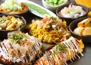 新鮮魚介類も数多くあります 焦げた醤油バターの匂いが食欲をそそります  お座敷に座って目の前の鉄板で焼きたて・熱々の料理が味わえます。