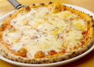 本格石釜薪焼ピザ 「4種類のチーズ」