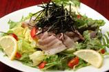 太郎サラダもいいけど、店長の日替り特選サラダもおすすめ