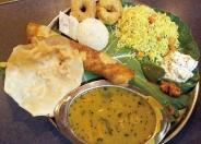 季節を感じる野菜、魚、インド米を使用する「週末スペシャルセット」 週替わりでメニューが変わるよ