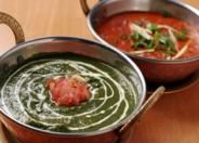 チキンサグワラ・ビーフマサラ:チキンとほうれん草のカレーとビーフのマサラソースカレー