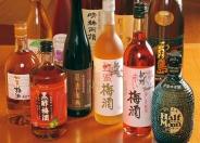 地酒や焼酎はもちろん、ノンアルコールも充実! 女性には爽やかな「オレンジサングリア」などのフルーツジャーも人気!