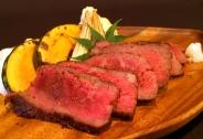広島産なかやま牛の特選サーロインステーキです。大特価でのご提供につき数量限定です!