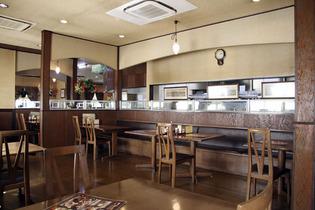 広い店内には4名席テーブル・6名席テーブルなどがあり、席のアレンジも自在☆