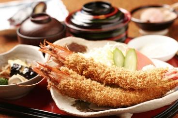 豊田 海の幸を満喫 宴会・慶事・法事にも 和食 魚大