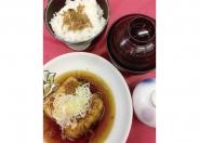 人気の「揚げ出し豆腐定食」