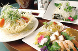 三種冷菜の盛り合わせ チャイニーズ海鮮サラダ ピータンと豆腐