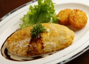 ふんわり卵にカレー&とろ〜りチーズ!「オムカレードリア」