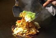 大阪丸八製麺の特注太麺使用!! 月間10000食以上販売
