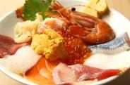 寿和の海味丼 旬のネタ約10種がぎっしり☆