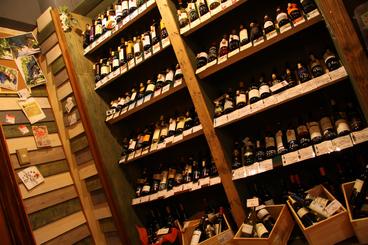 選べるワイン「BYOシステム」 小売価格+1,000円でお好きなワインが飲めるよ♪