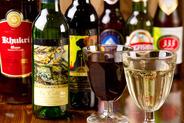 インドビールやワインなどアルコールメニューも充実