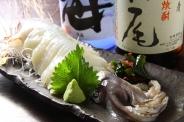 「イカの姿造り」まずは刺身で、ゲソは揚げてくれるから2度美味しい!