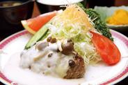 キノコの白いハンバーグ