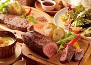 ハラミステーキなど肉メニューも人気