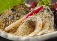 【ごまサバ】 絶妙な〆加減、九州醤油と酒、生姜で漬け込んでいます。 ビール、焼酎、日本酒との相性は最高!!人気の品♪♪