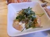 鶏わさおろし 地鶏坊主スッタフオススメNo.1おつまみ!!シャキシャキしたワサビでからめおろし醤油と食べるお料理!美味しいです。