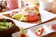 ディナーBコース (前菜3種+スープ+サラダガレット+ドリンク) 1,700円