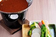 お通しの肉味噌バーニャカウダ 気に入ったら有機野菜を追加して楽しもう♪