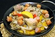 ガリシア風・山のパエリア 1人前¥780(2人前〜)鶏肉・色々キノコ・ソーセージetc山の恵みが凝縮されています。