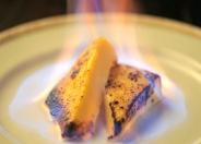 【炎のカタラーナ】 当店、大人気のデザート!  デザートなのに火がついてる!?  アイスのような…プリンのような…新感覚スイーツ!  一度、お試しください!