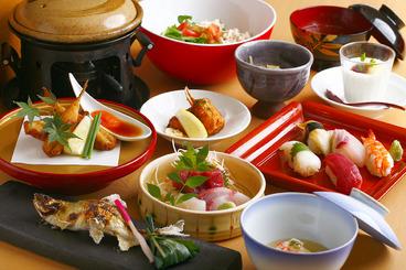 京懐石コース お1人様8,000(税別) お料理9品、上にぎり寿司、お味噌汁、デザートに2時間飲み放題が付いたコースです *写真はイメージです