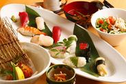 彩豊かなお寿司も必食!