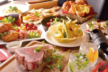 女子会コース 2時間飲み放題付6,000円(税込)  前菜2種、新鮮野菜のバーニャカウダ、お肉の冷前菜、お肉の温前菜、Tボーンステーキor熟成牛、パスタ、デザート2種(写真は4人前)