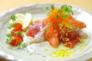 魚バルこだわりの海鮮鍋 寄せ鍋orブイヤベース鍋2種の味を選んで頂けます!