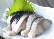 【〆金華サバ】 世界三大漁場に数えられる三陸中の特に豊富な資源を持つ金華山沖はサバの豊漁地帯!金華ブランド!  その金華サバは、肉厚で絶妙な脂のりと〆加減!生姜醤油との相性は最高!