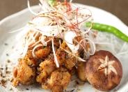 【比内地鶏の仙台味噌焼き】 日本三大地鶏の一角!比内地鶏!  飼育が大変で昔から高級鶏の一つ!独特なコリコリな食感、濃厚な鶏の味、それを当店自慢の手作りの青唐辛子味噌で味付けをしております。