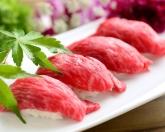 松阪牛炙り握り寿司  お口の中でとろけるおいしさ!