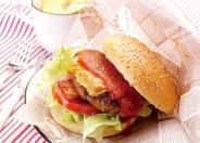 牛肉100%!自慢のハンバーガー