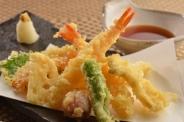 3鮮5菜天ぷらランチ(1,080円) ※小鉢ビュッフェ付き