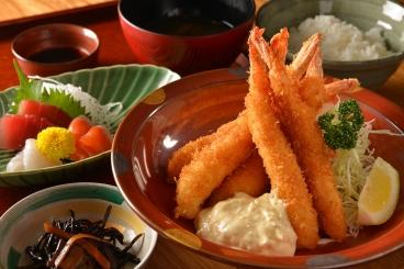 海老フライSet(刺身・小鉢・ご飯・味噌汁・ドリンク)ランチ・ディナー共に1,400円(税別)