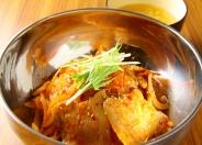 豚キムチ丼(スープ付き) ランチ600円(税込)
