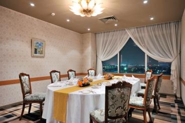 個室(2部屋)もございます。 大切な記念日などのお食事会にご利用下さい。