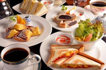 【モーニング】ホットサンドトーストセット、フレンチトーストなどメニューが豊富