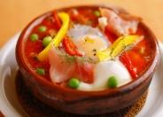 卵が特徴的な珍しい煮込み料理「フラメンカエッグ」