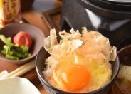 「究極の卵かけご飯」500円 目の前で炊きあがるアツアツごはんに、プレミアムランニングエッグ(食べ放題)を贅沢にかけてお召し上がりください