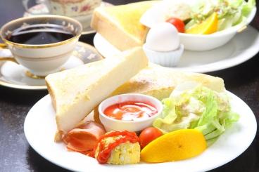 珈琲専門店のモーニングはトースト、ホットサンド、フレンチトーストと種類豊富。