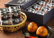 刈谷の「万燈祭り」にかけた刈谷銘菓「栗万燈」は賞味期限が長いので、遠方の方への贈り物にもオススメ。