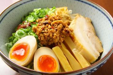 台湾まぜそば760円(税別)極太ちぢれ麺でボリュームたっぷり。ピリ辛がおいしい