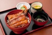 「上うな丼」(3,050円税別)ご当地三河産を中心に美味しいうなぎを選定。自慢の逸品です。うなぎ一匹付。
